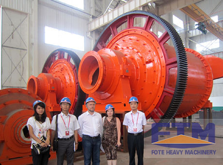 our customers visit our ball mill production base